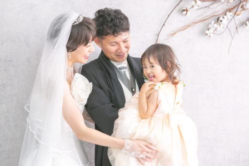 すてきな家族の結婚写真